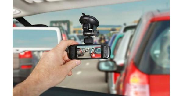 Có nên lắp camera hành trình cho ô tô không? Vì sao?